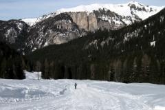 snowshoeing_2_20130214_11400658306110
