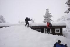 snowy_walk_1_20140711_1939978189e43d