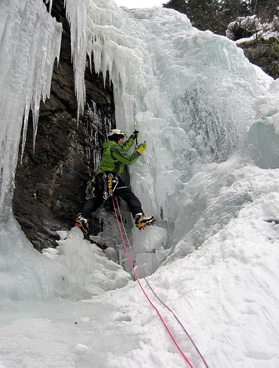 winter-climbing-large